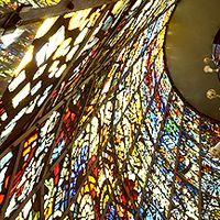 まるで夢の中!箱根にあるステンドグラスの塔がとても美しいんです