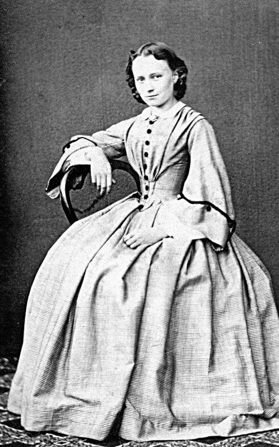 Suomalaisen naisliikkeen pyhimys päivitettiin särmikkääksi  Minna Canth ei ollut mekastava matroona vaan haavoittuva ja harras epäilijä. Uusi elämäkerta päivittää mahtavasti tänään 170-vuotiaan klassikon.
