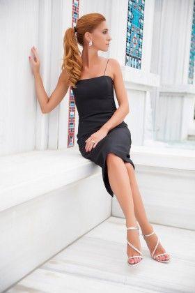 Fidan Şimşek // Gardırop Gurusu Krep İnce Askılı Kalem Siyah Elbise: Lidyana.com