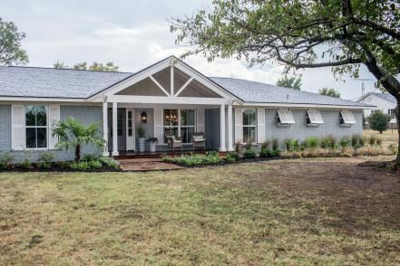 Fixer Upper A Coastal Makeover For A 1971 Ranch House For Him House Colors And Exterior Colors