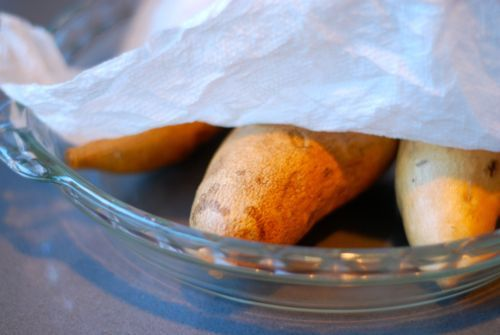 Microwaved Yams/Sweet Potatoes - wash, dry, poke with fork. Put in pyrex dish, cover with damp paper towel. Microwave 5 min, rotate, microwave up to 5 more min or until soft.