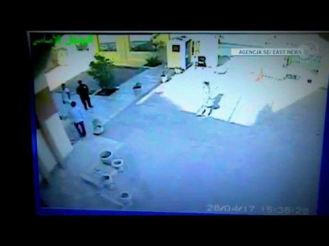 28.05. o 15:36 w Port Ghalib. To tam trafiła przed śmiercią Magdalena Żuk. Szef szpitala dr Ahmed Shawky wspomina, że kiedy Polka trafiła do nich 28 kwietnia robili co mogli, aby jej pomóc http://wiadomosci.radiozet.pl/Polska/Magdalena-Zuk-w-szpitalu-w-Egipcie-Relacje-personelu-z-Port-Ghalib  O godzinie 2.30 Polka uwolniła się i zaatakowała pielęgniarkę