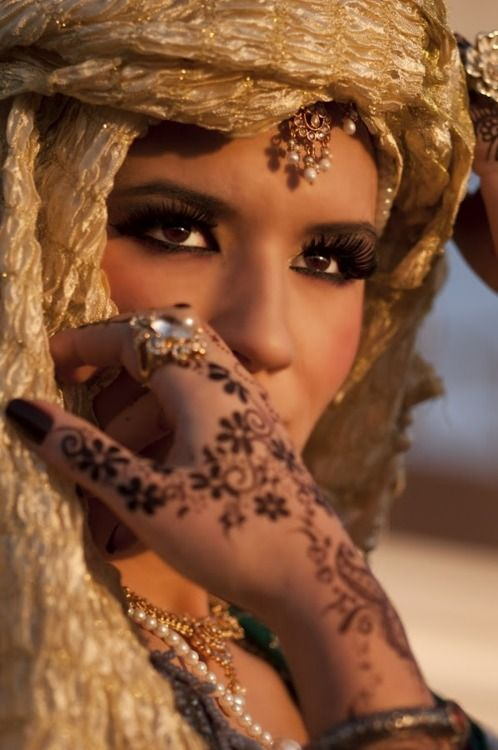 Arabian Beauty: Arabian Night, Faces, Makeup, Beautiful, Fashion Blog, People, Henna Tattoo, Eye, Henna Hands