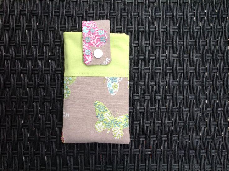 Handytasche von Anke nach meinem Gratis-Schnittmuster http://www.kreativlaborberlin.de/naehanleitungen-schnittmuster/suesse-handytasche-bzw-smartphonetasche/