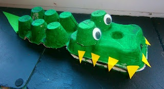 Egg carton Crocodile - Cocodrilo con un carton de huevos