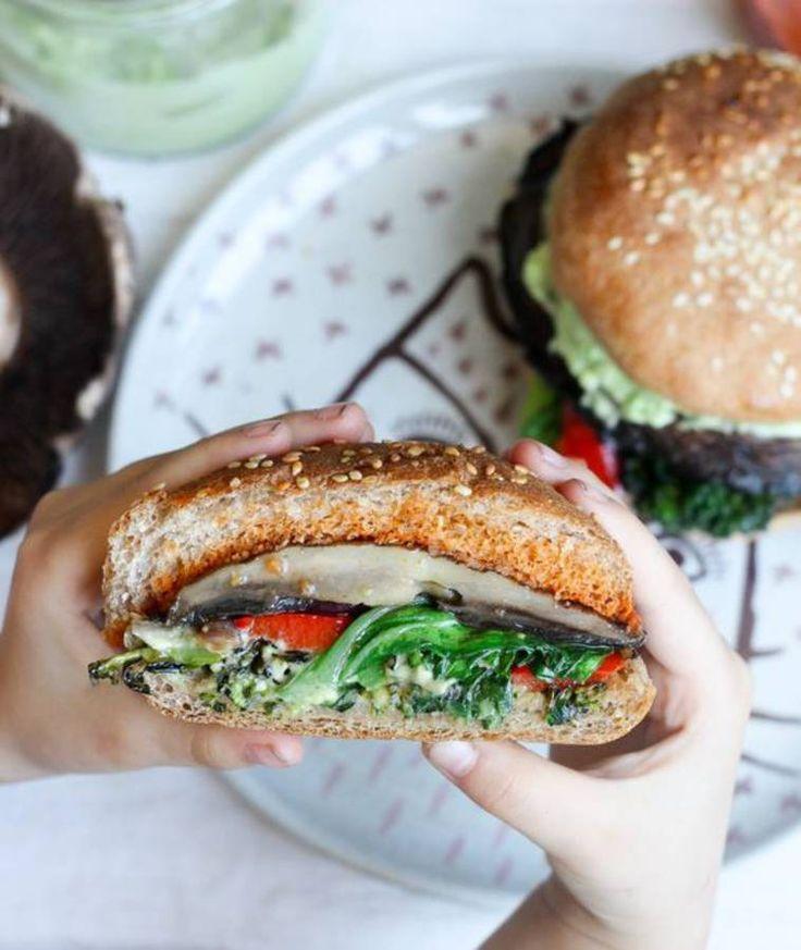 Burger vegan champignon avocat