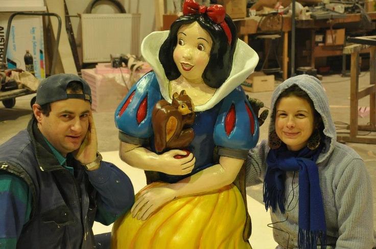 Take a photo with Snow white!