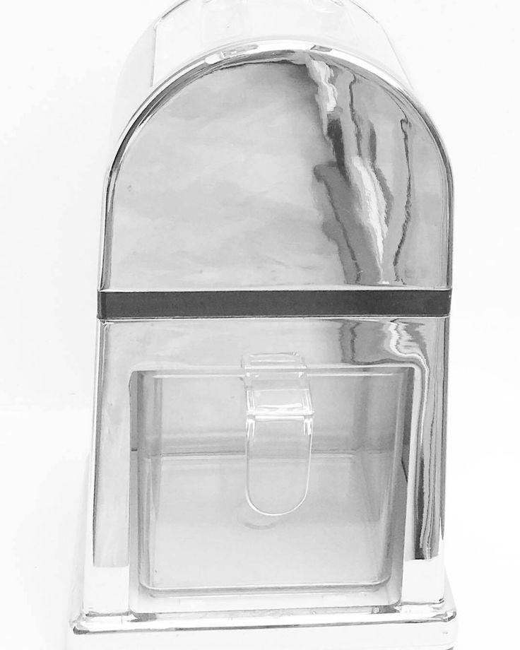 Rétro Pileuse a glace manuelle ; metal et plastique, 50's , déco chic, indus, loft, rétro, Broyeur à glace , machine à glace pilée de la boutique VintagechicBruxelles sur Etsy
