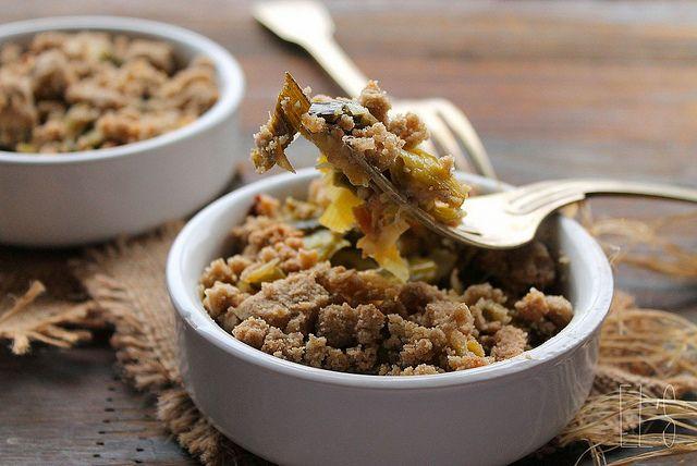Crumble de poireaux aux noix {sans gluten} - Ingrédients : 2 poireaux, 10 cl de crème d'avoine, huile d'olive, sel et poivre...