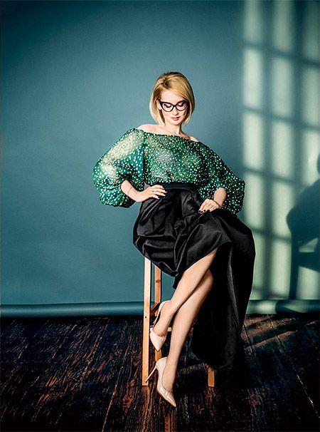 """Эвелина Хромченко: """"Разбирая гардероб, женщина на самом деле планирует свою жизнь"""", HELLO! Russia"""