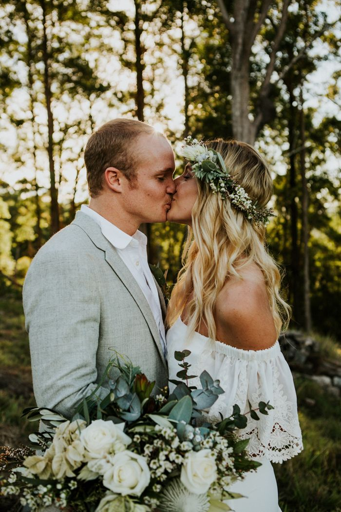 This forest is the perfect romantic backdrop for this green-loving couple   Image by Amy Higg Photography