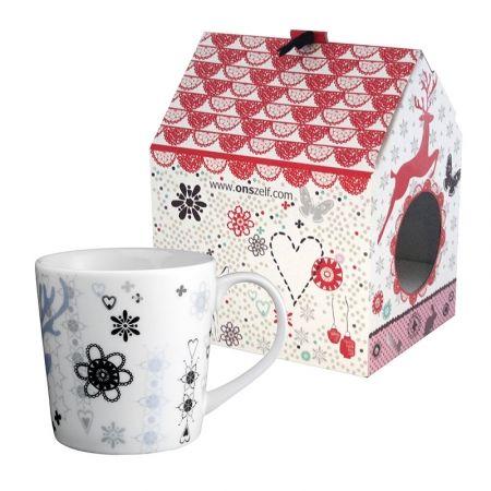 Tazza My Dear con casetta da appendere Brand: Onszelf La scatola a forma di cucù non è soltanto una confezione regalo ma può essere riutilizzata più volte come decorazione da parete o oggetto da appendere