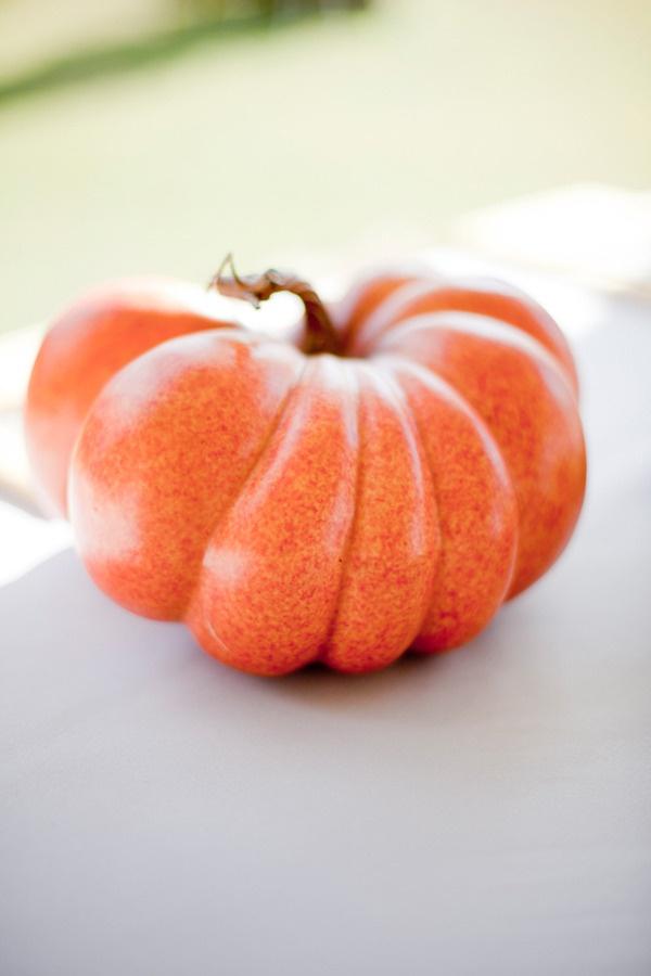 A perfect pumpkin.: Pumpkin Orange, Perfect Pumpkin, Floral Design, Details 894326, Autumn Fall, Events Plans Design, Fall Weddings, Event Planning Design, Wedding Details