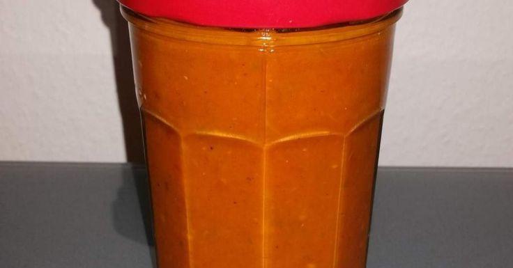 beste Tomatensauce der Welt ca. 1 Jahr haltbar!, ein Rezept der Kategorie Saucen/Dips/Brotaufstriche. Mehr Thermomix ® Rezepte auf www.rezeptwelt.de