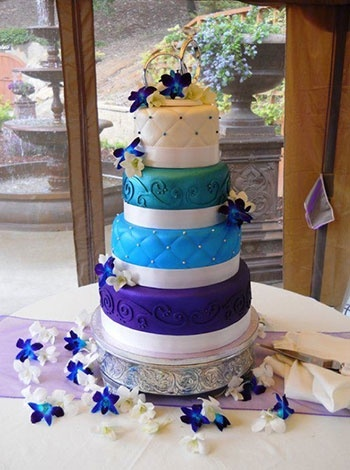 Wedding Cakes On Pinterest Lace Cakes Cakes And Gold Wedding Cakes