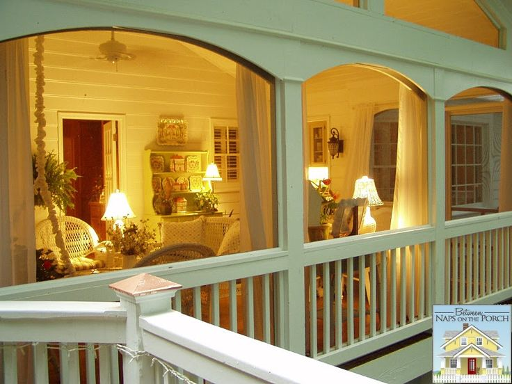 Great article on things to keep in mind in designing a screened porch. Love the lamps and outdoor speakers!