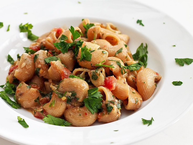 Linguine With Sardines, Fennel & Tomato Recipe — Dishmaps