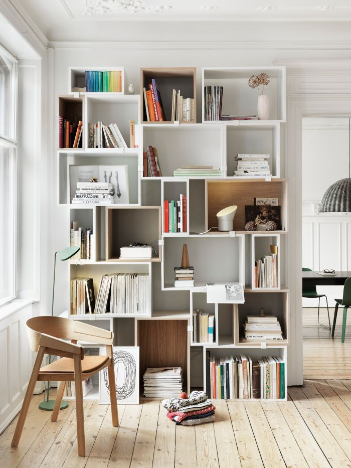 Love the idea of random squares put together to create a bookshelf. Controlled stylish chaos.