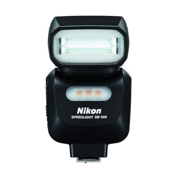 #Nikon SB-500 #vaku  Hordozható, egyszerűen használható vaku, amely kompatibilis a Nikon D-SLR fényképezőgépekkel, valamint egyes COOLPIX fényképezőgépekkel és a Nikon Kreatív Megvilágítási Rendszerrel is. Videofelvételek készítéséhez ideális, nagy fényerejű LED lámpával rendelkezik.  Ez a kis méretű, könnyű felépítésű vakuegység leegyszerűsíti a világítás minőségének és irányának vezérlését...