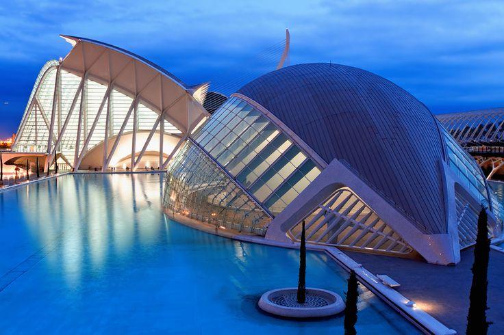 Cidade das Artes e das Ciências (Valência, Espanha) - O complexo cultural, educativo e arquitetônico... - Shutterstock