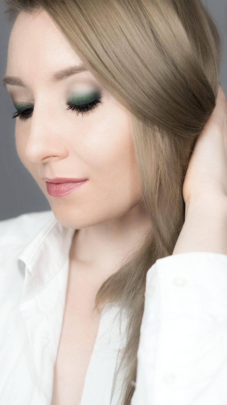 Makijaż świąteczny szmaragdowe smoky eyes