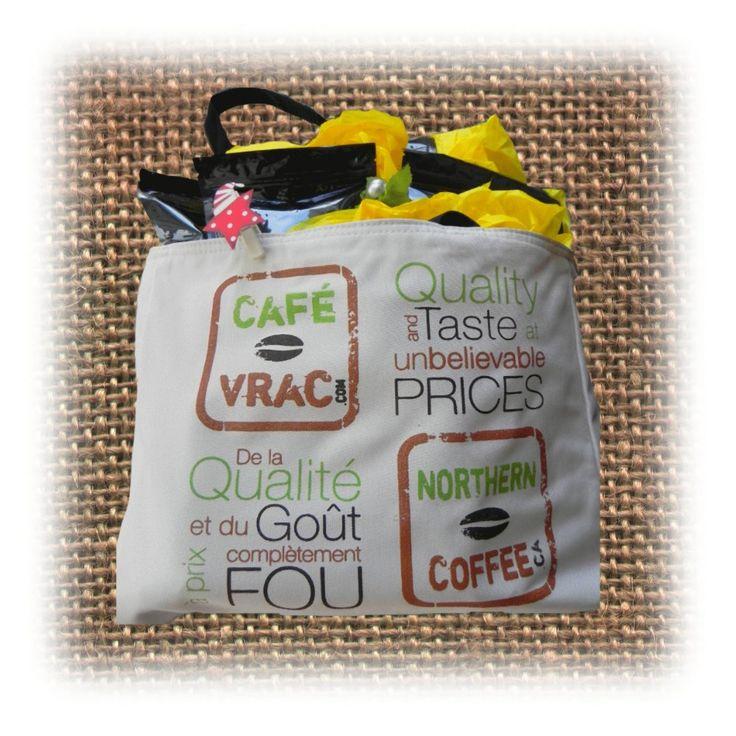 Que ce soit pour offrir à quelqu'un que vous aimez, goûter une nouvelle sélection de café, pour le caféinomane qui sommeille en vous ou tout simplement, pour VOUS faire plaisir, ce sac réutilisable contenant 10 sélections de café est LE cadeau idéal! Sac Découverte 39.95$ - Café-Vrac.com