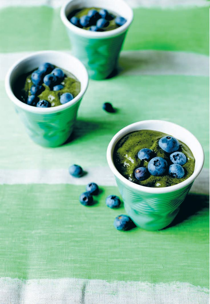 A green and delicious smoothie. Introducing the Green Goods Smoothie from Lola Berry - I Quit Sugar