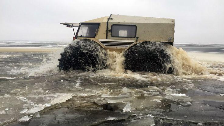Mécanicien russe originaire de St Petersbourg, Alexei Garagashya a inventé un imposant véhicule tout-terrain, qui a...