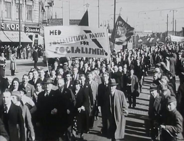Bilder från 1:sta majdemonstrationerna 1951.Denna stumfilm visas med ny musik av Matti Bye