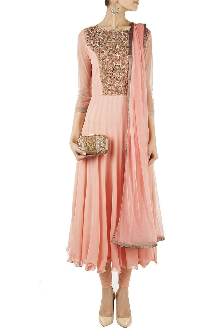 Peach cut work embroidered anarkali set BY BHAAVYA BHATNAGAR. at perniaspopupshop.com #perniaspopupshop #clothes #womensfashion #love #indiandesigner #bhavyabhatnagar #happyshopping #sexy #chic #fabulous #PerniasPopUpShop #ethnic #indian