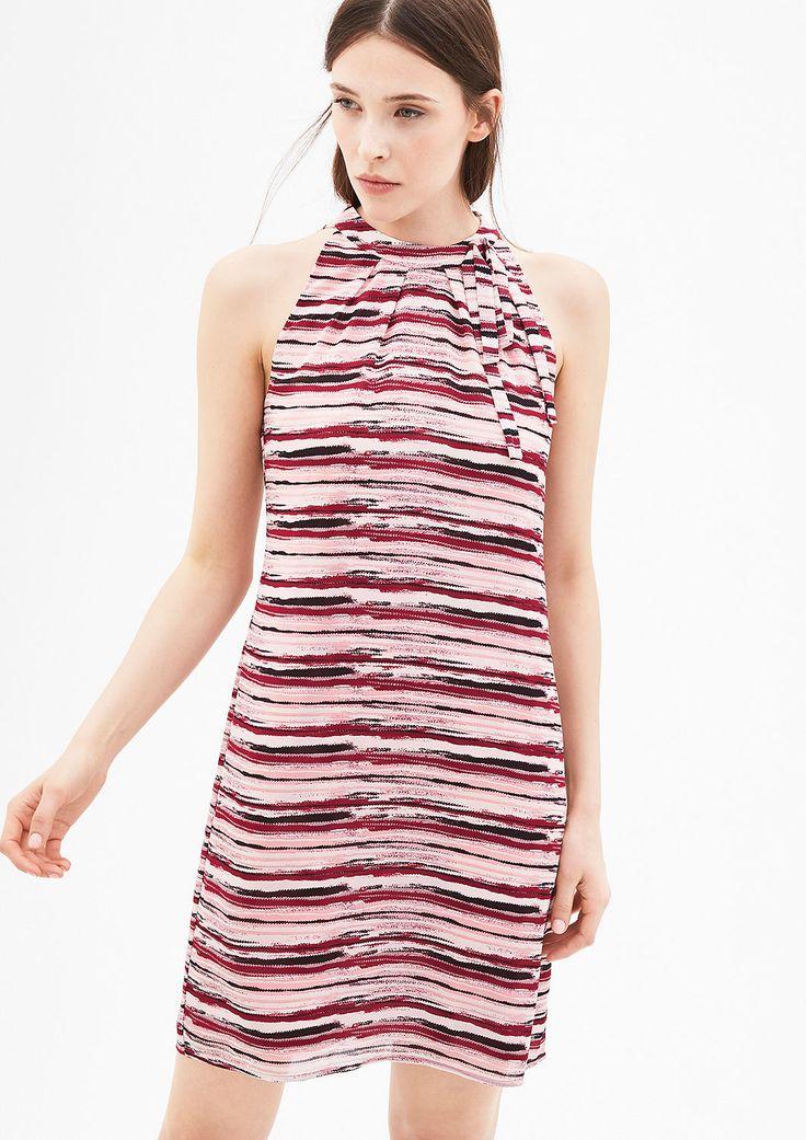 Gemustertes Off Shoulder-Kleid von s.Oliver. Entdecken Sie jetzt topaktuelle Mode für Damen, Herren und Kinder und bestellen Sie online.