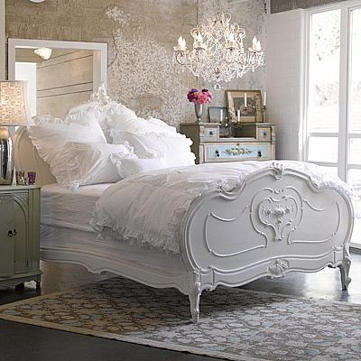 Romantic shabby chic bedroom.Decor, Dreams Bedrooms, Guest Room, White Beds, White Bedrooms, Beds Frames, Shabbychic, Shabby Chic Bedrooms, White Room