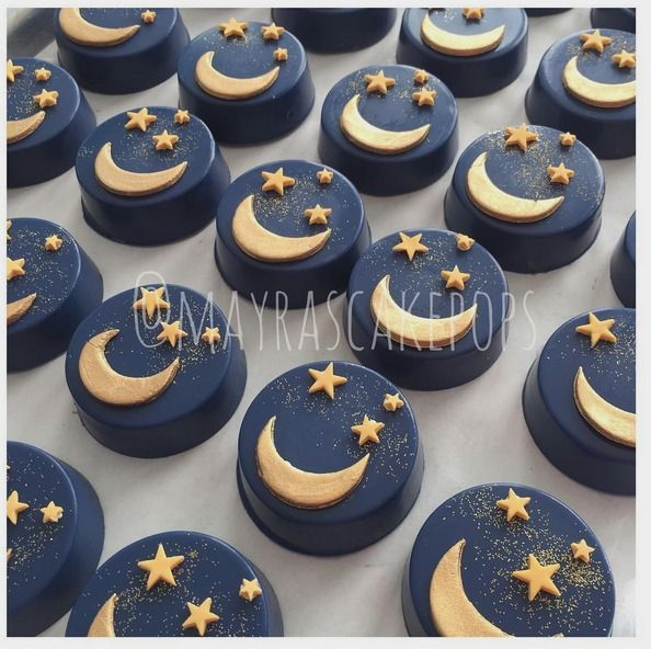 """Mayra Rodriguez on Instagram: """"You are what i asked for when I wished upon a star #chocolatecoveredoreos #star #babyboy #babyshower #customcookies #customsweets #moon&stars #mayrascakepops #sweetsforeveryoccasion"""""""