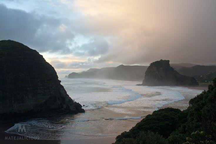Piha Beach Auckland - Matejalicious Travel and Adventure