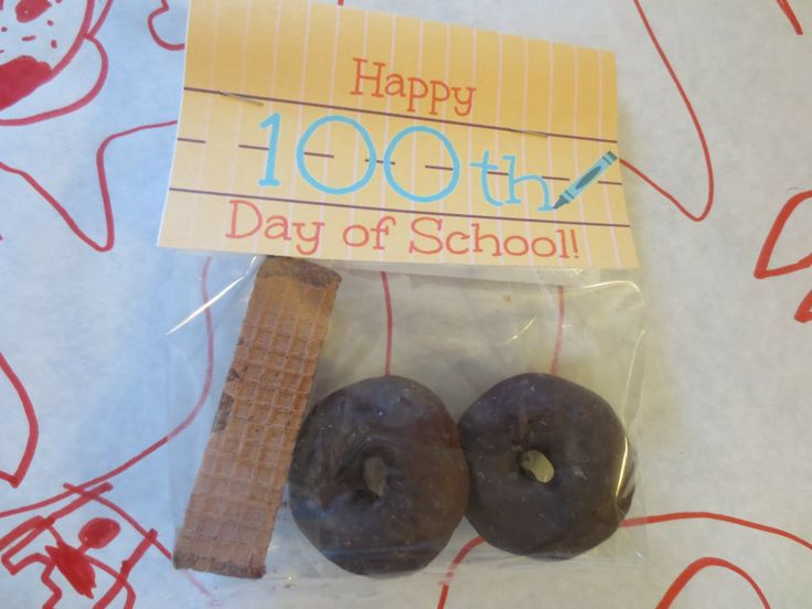 Happy 100th Day of School Classroom Treat! Easy, but cute. Includes a free printable!