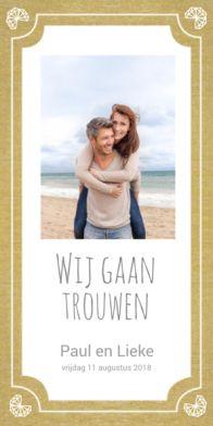 Trendy trouwkaart met gouden achtergrond