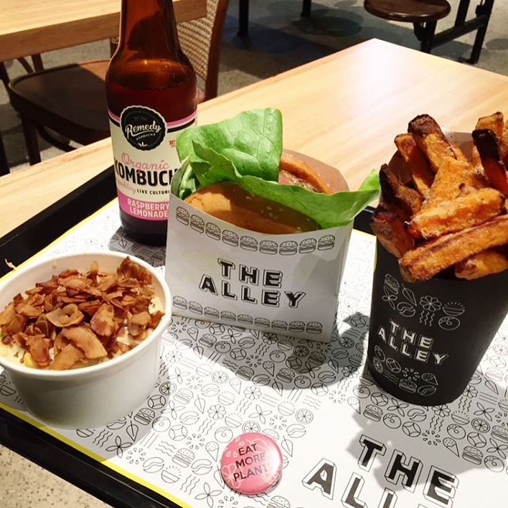✨swipe left 👈✨ Maple bacon burger🍔 + air fried sweet potato chips🍟 + sweet corn mac and cheese 🙌 Melbourne's newest #vegan oasis! 🌱@thealley.au #melbourne #veganmelbourne #melbournevegan #veganburger #thealley #sweetpotatofries #macandcheese #veganmacandcheese #eatmoreplants #kombucha #veganbrioche #coconutbacon