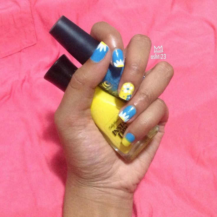 spring/summer floral nail art blue and yellow