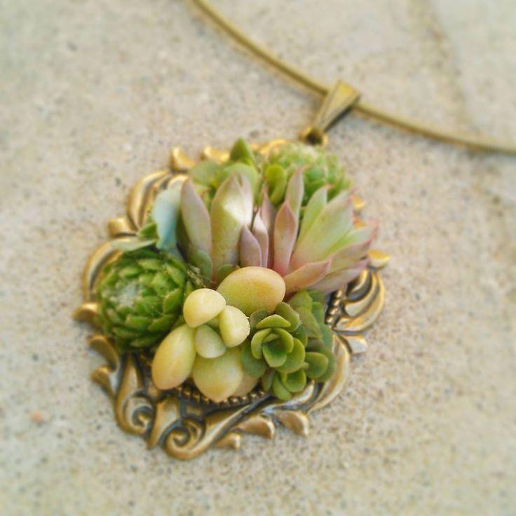 Bijou succulent - Bijou végétal : collier laiton et plantes grasses - mariage - wedding - jewel