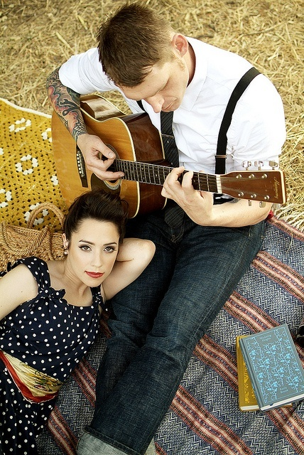 vintage photo shoot with Lee's guitar?! @Amanda Snelson Fuentes please!!