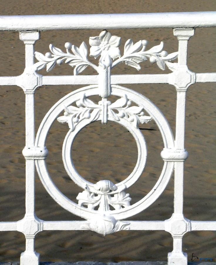 SAN SEBASTIAN'S BEACHES. LA CONCHA BEACH. La Concha ornamental railing.
