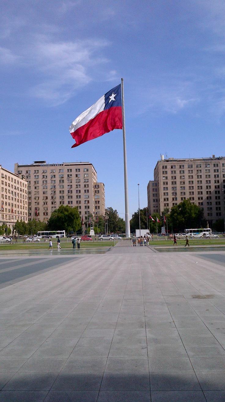 Bandera de Chile desde el Palacio de La Moneda