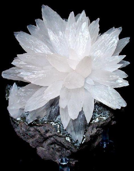 Calcite ( Ca CO3) Carbonate mineral  Locality: Iraí, Alto Uruguai region, Rio Grande do Sul, South Region, Brazil