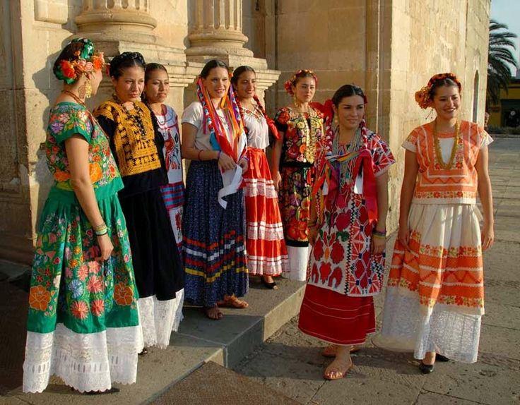 Traditional Spanish Clothing: The Ladies (Las Damas)