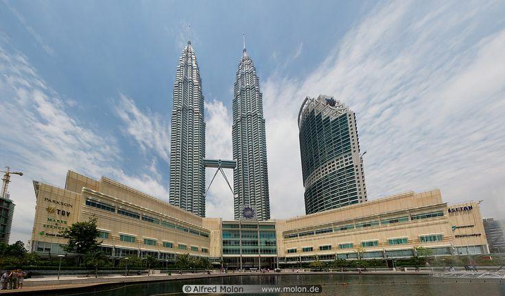 05 Petronas towers and Suria KLCC mall