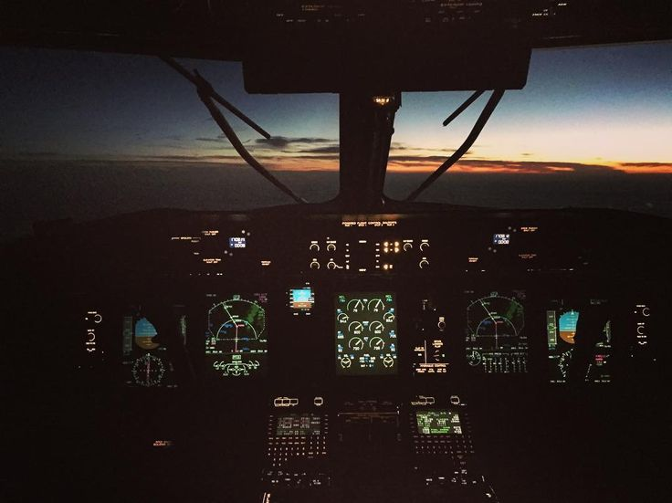 Chasing the sunset all the way home. Sometimes chasing the sunset is much like chasing your dreams. You don't always catch them but there is a sunset everyday and it's your choice if you decide to catch it or not. #dreams #achievement #daydreaming #flying #flight #avgeek #instagramaviation #motivation #inspiration #goodvibes #gopro #dash8 #q400 #goodvibesonly #bestview #skyline #sky #clouds #flightdeck #instruments #lights #femalepilot #wipers #aviation #aviationphotography #captain