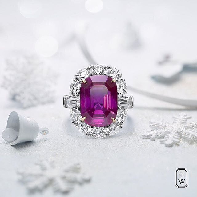 Ring in the New Year in magnificent style. A 10.89-carat ruby and 12 sparkling #diamonds adorn this exquisite #highjewelry piece. #HarryWinston