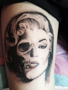 25 best ideas about face piercings on pinterest artistic tattoos weird tattoos and skull. Black Bedroom Furniture Sets. Home Design Ideas