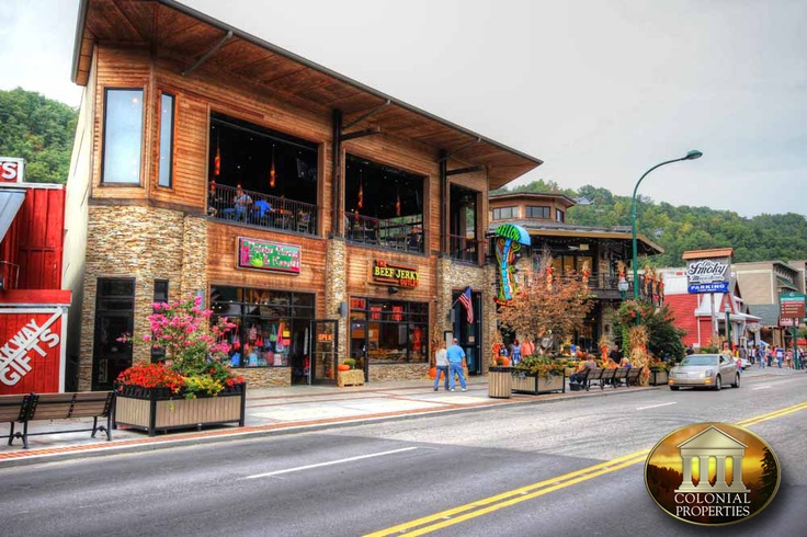 Downtown Gatlinburg Gatlinburg Tn Attractions Pinterest