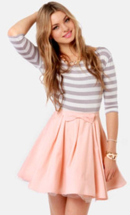 This cute outfit would match perfectly with a pair of baby pink heels with bows that I pinned earlier